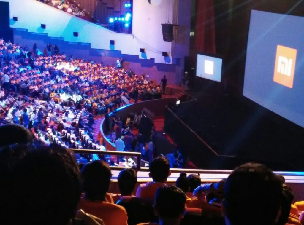 Xiaomi Global Launch going to start in 5 mins with hugo barra on stage - techniblogic