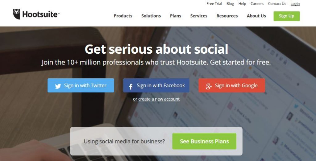 Hootsuite Social Media Management Dashboard -techniblogic