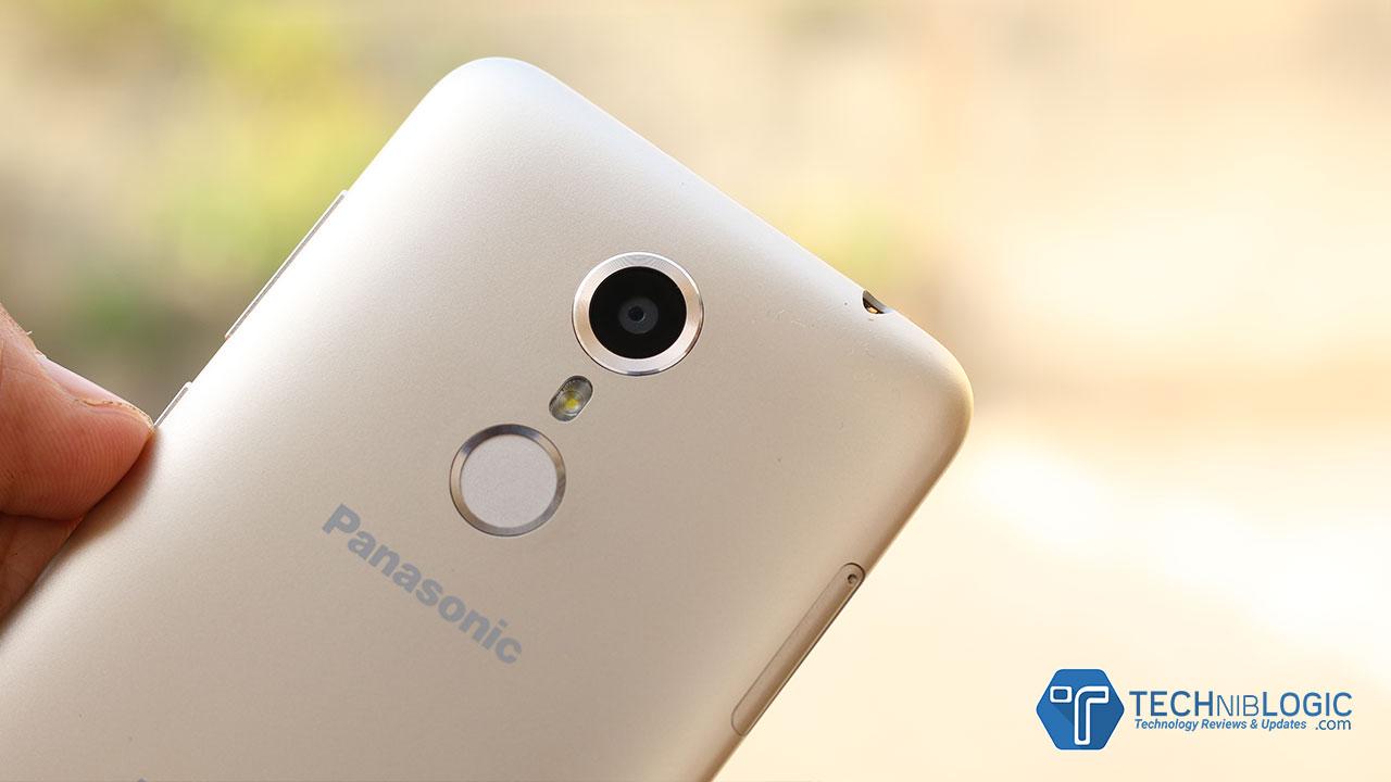 Panasonic-Eluga-ARC-techniblogic-back-camera