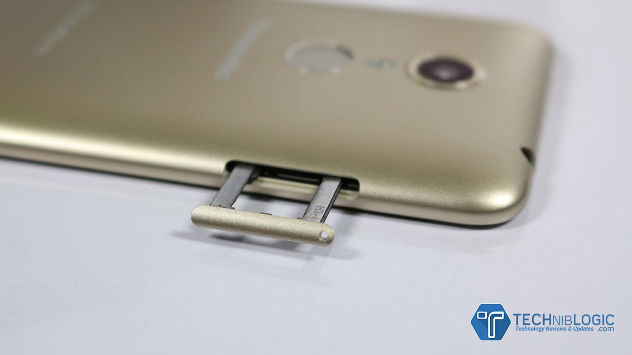 Panasonic-Eluga-ARC-techniblogic-sim-tray