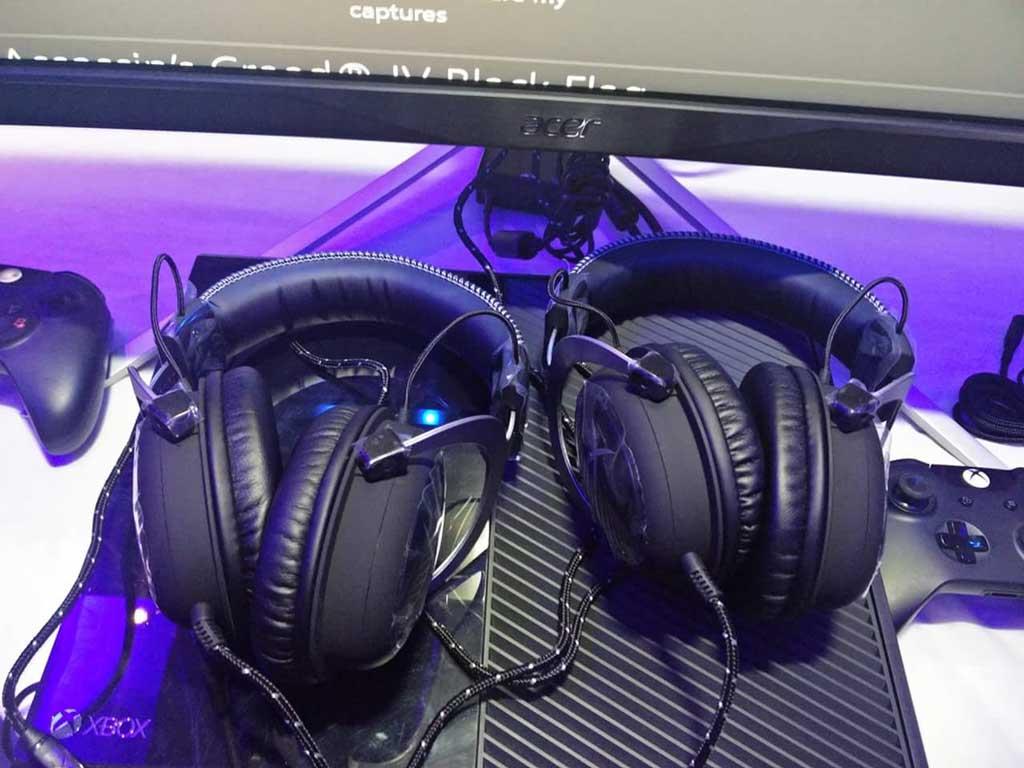 HyperX-CloudX-headsets-pics
