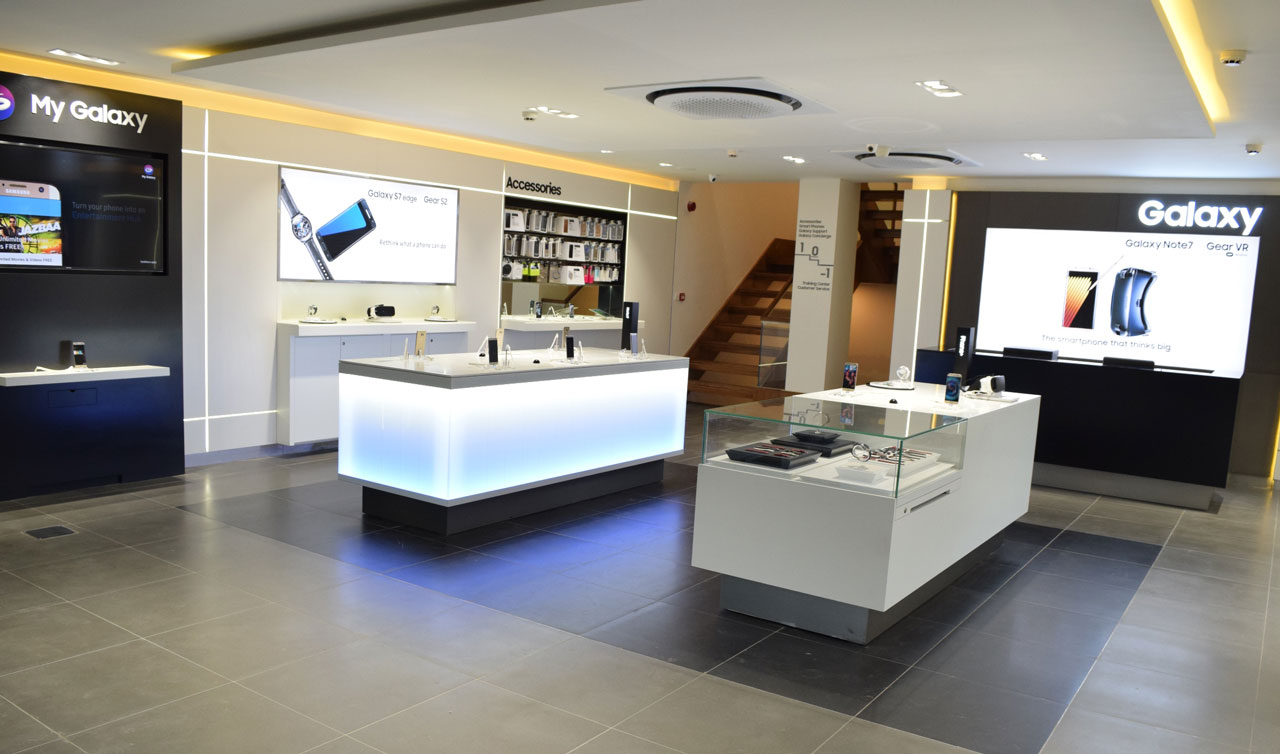 Samsung's Largest Experience Store in India
