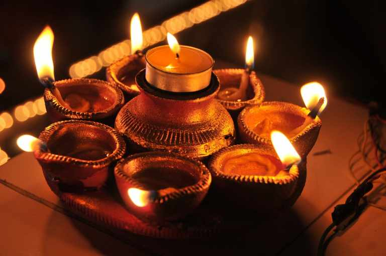 Top 5 Devotional Apps You Need in this Festive Season