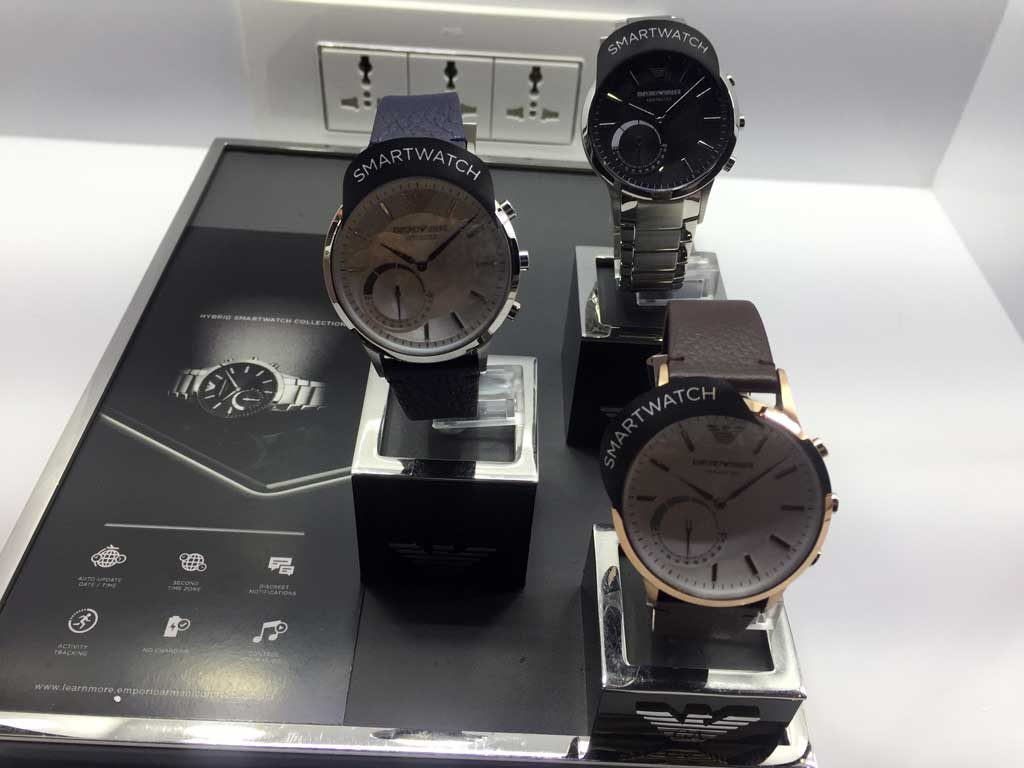 emporio-ermani-hybrid-watch-techniblogic