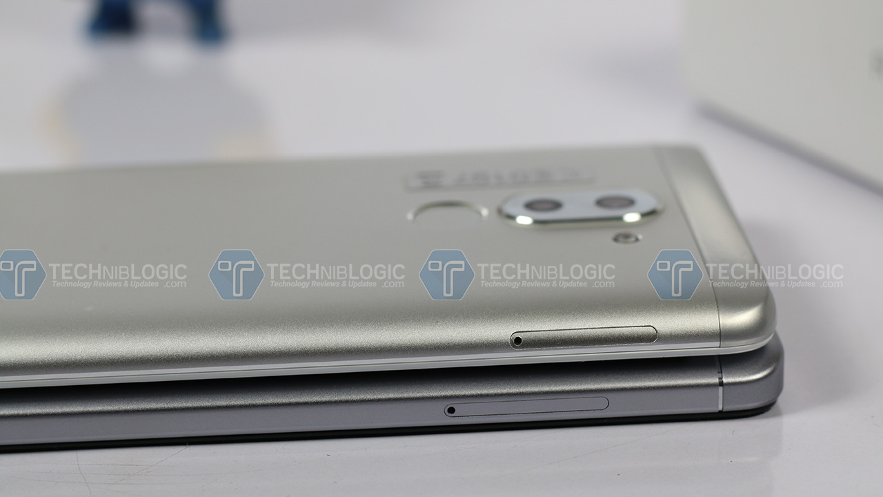Honor6x-vs-Redmi-note-4-Sim-Tray-Slot--techniblogic