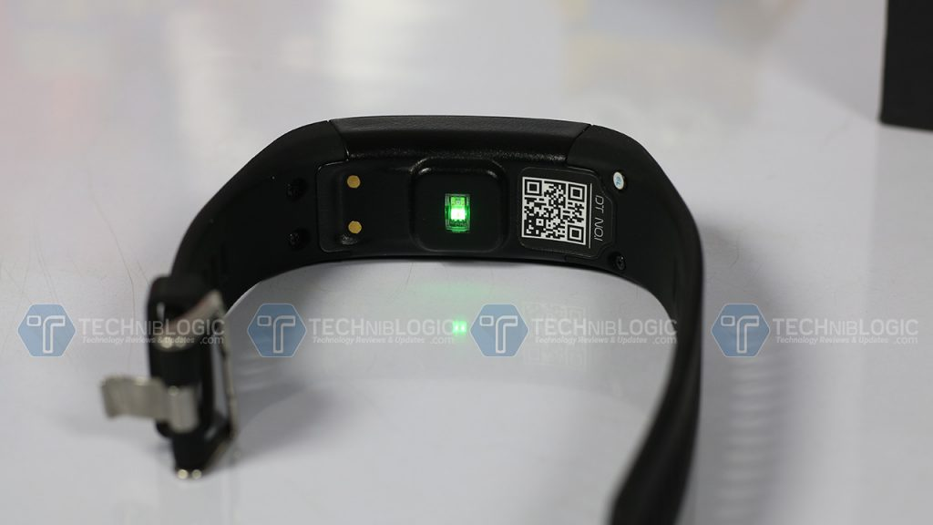 f1-smartband-heartrate-sensor