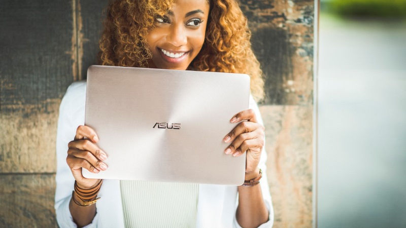 Asus ZenBook UX330 Ultra-Portable Laptop Launched