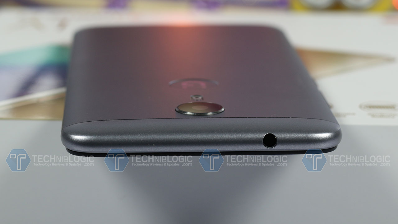 Gionee-A1-headphone-jack-techniblogic