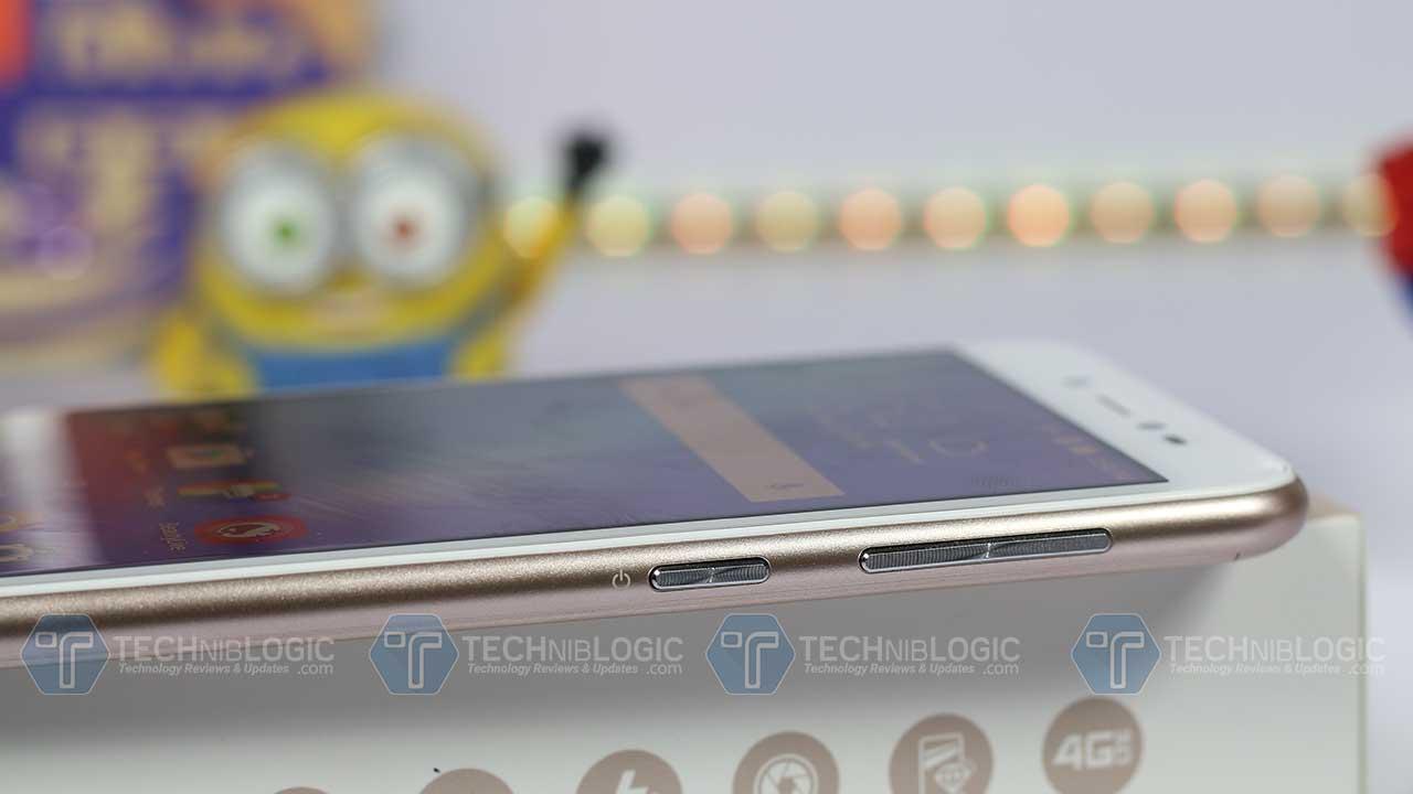 Asus-zenfone-live-volume-buttons-techniblogic
