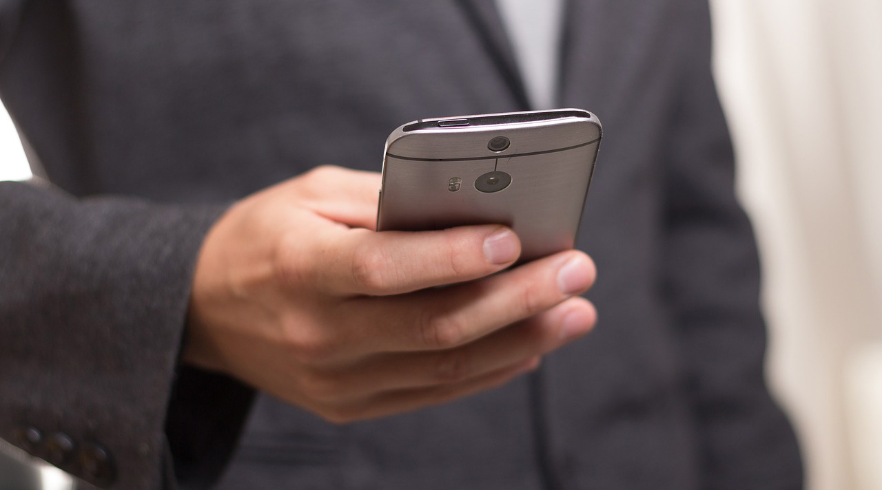 How-to-choose-the-best-phone-plan-for-your-small-business