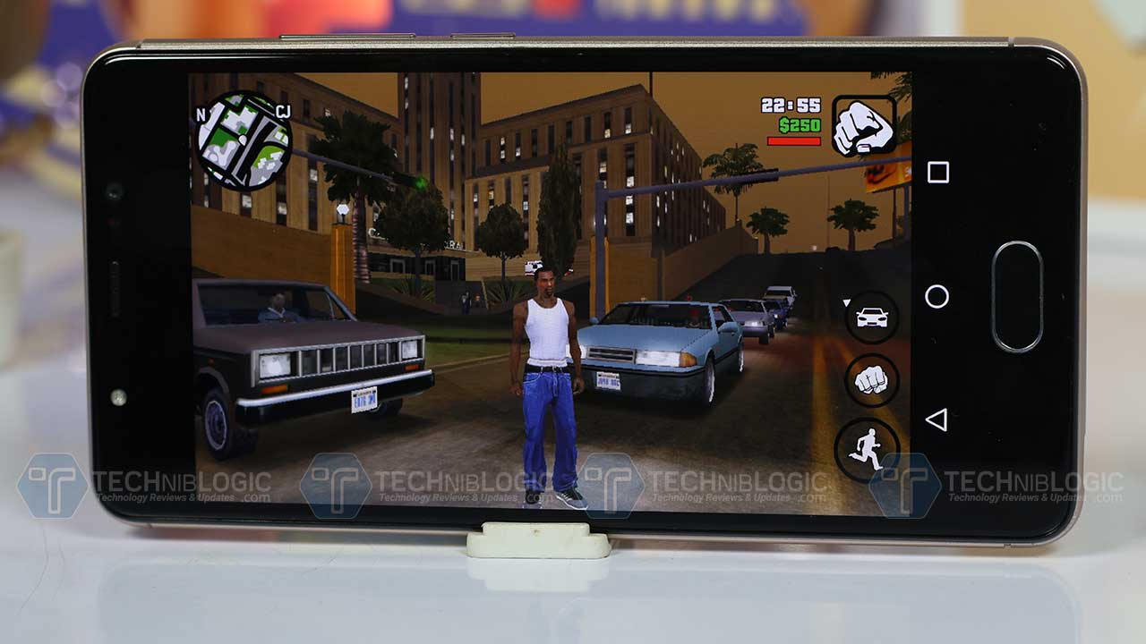 Panasonic-Eluga-Ray-gaming-gta-techniblogic