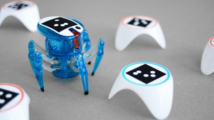 Artificial Intelligent Bots Alive Robot