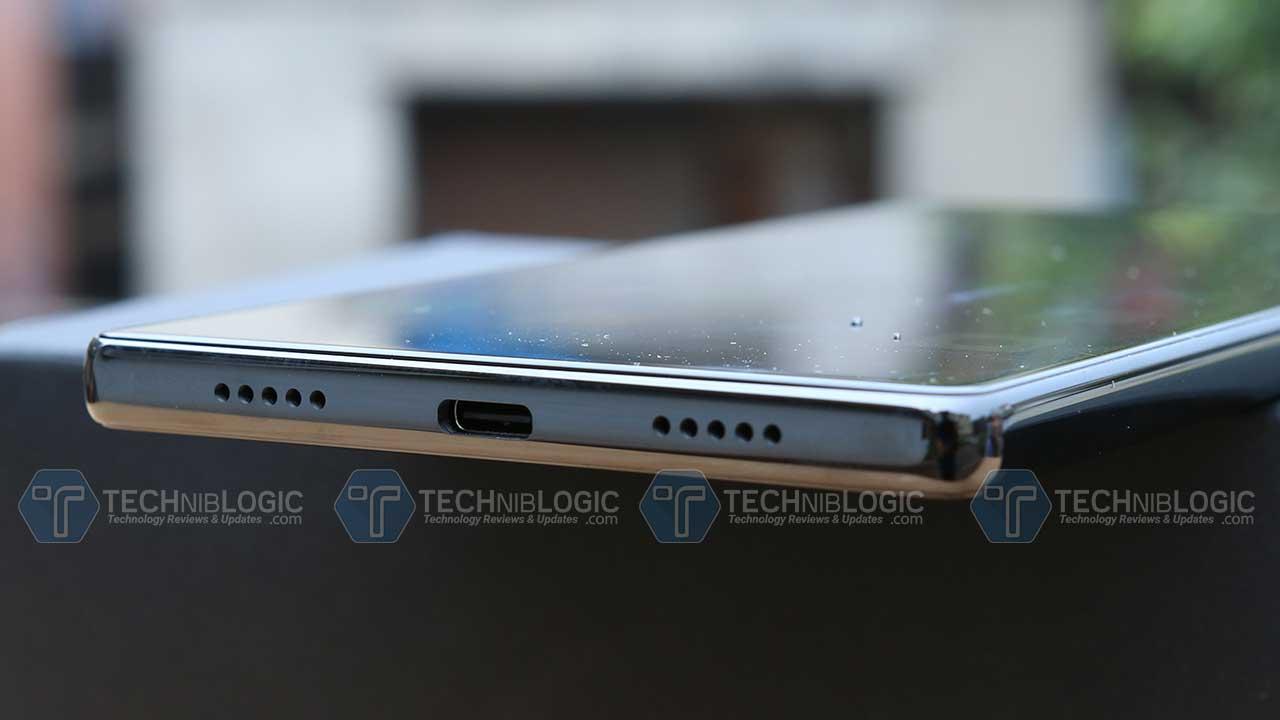 Xiaomi-Mi-Mix-charging-port