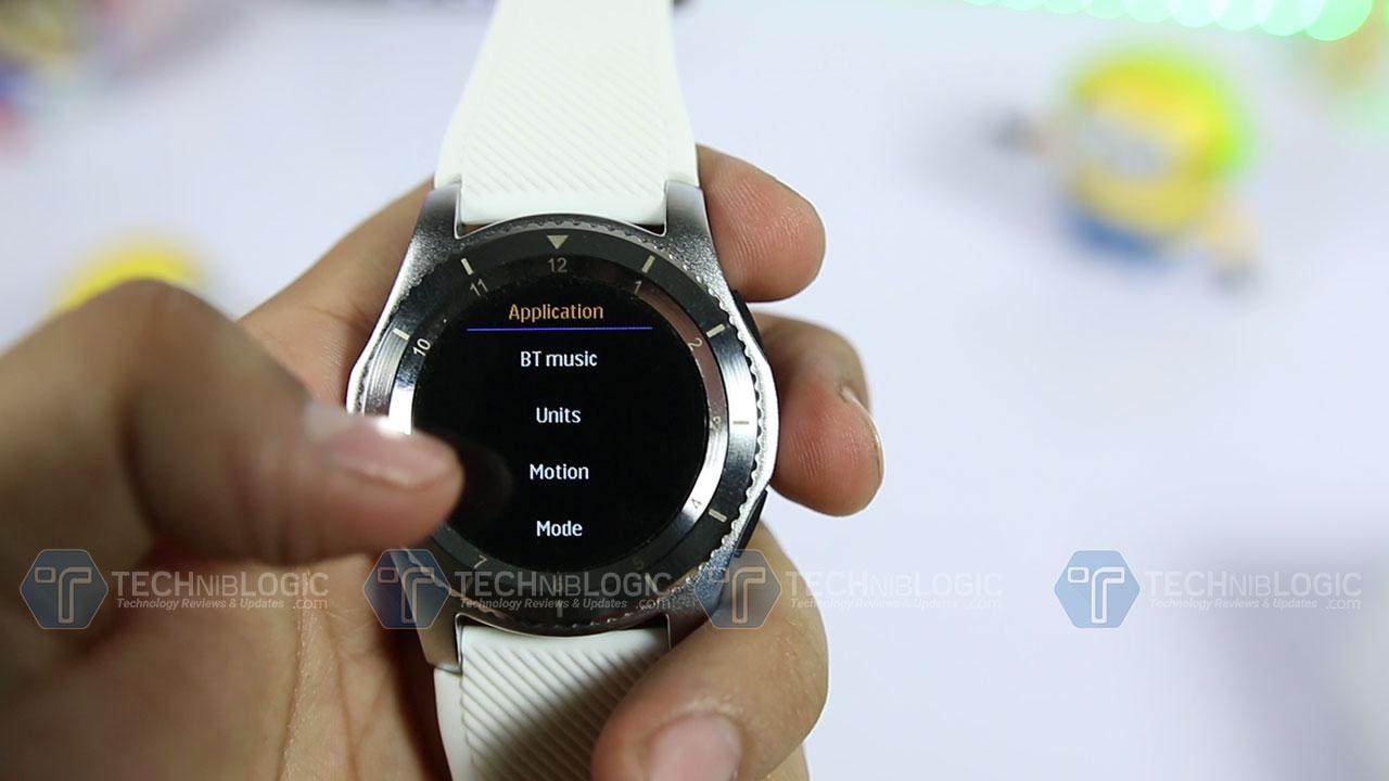 No.-1-Smartwatch-G8-Review-Applications-Techniblogic