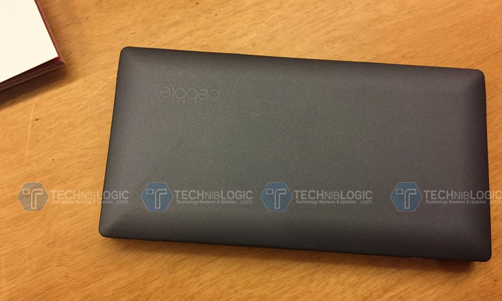 Pebble-launches-Slimmest-Power-bank-Back-Side-Techniblogic
