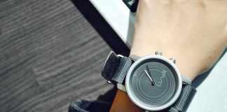 Lunar - World's First Solar Powered Smartwatch