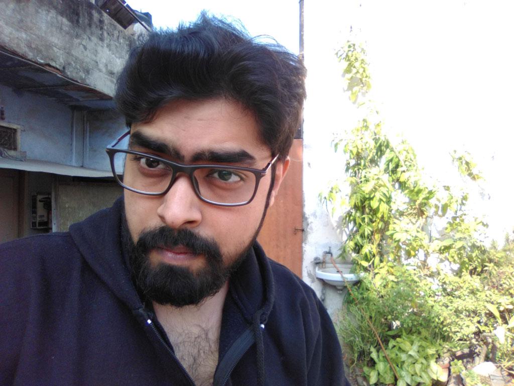 Centric-A1-Front-camera-Day-Light--Nishith-Gupta-Techniblogic