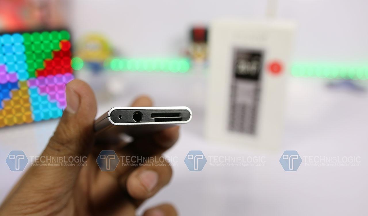 Elari-NanoPhone-C-Audio-Jack-and-SD-Card-Techniblogic-Nishith-Gupta