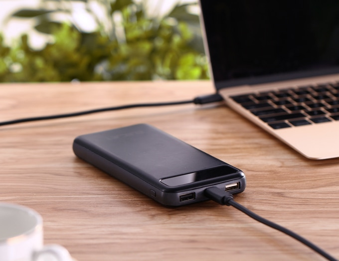Apollo: World's First Graphene Battery USB C PD Power Bank