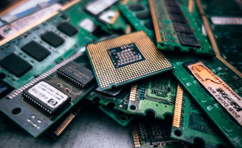 How-Are-Most-Electronic-Devices-Made-Up