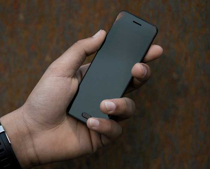 Yerha.com launched an ultra-small smartphone