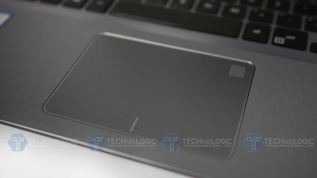 Asus-VivoBook-X507-touch-pad