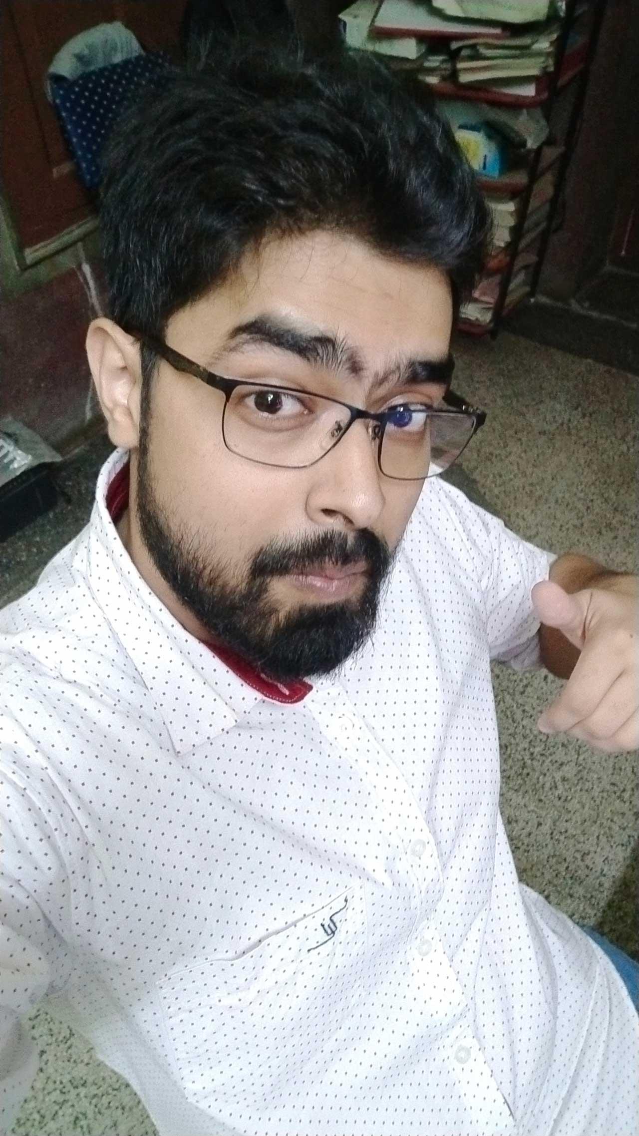 Vivo-Nex-Indoor-Selfie-Shot-Nishith-Gupta-Techniblogic