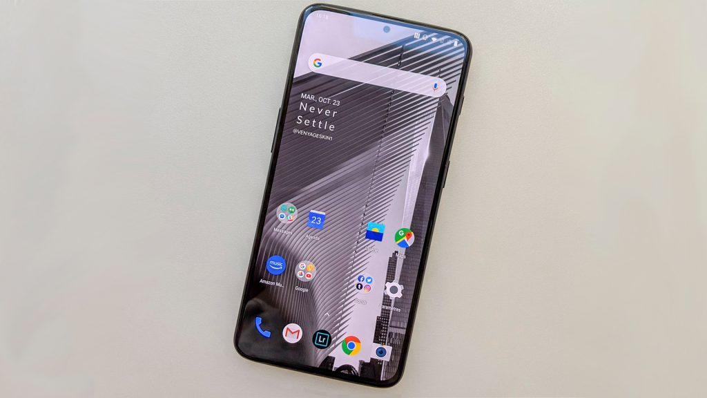 OnePlus 7 looks amazing in this pure screen picture