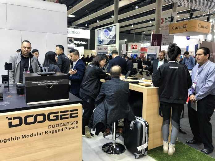 Doogee S90 modular phone with 5G capabilities announced