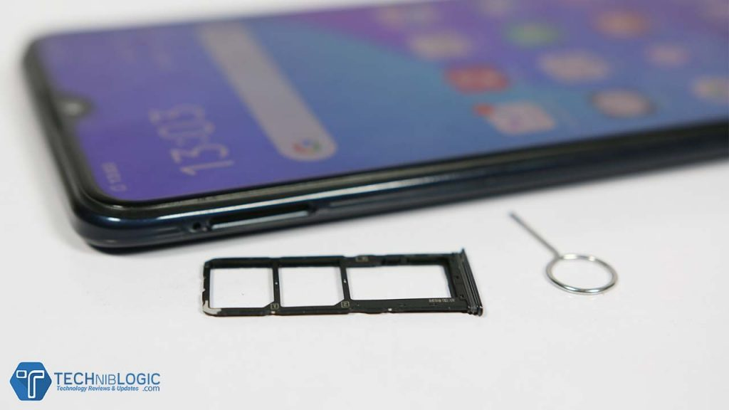 Vivo-U20-Review-sim-tray