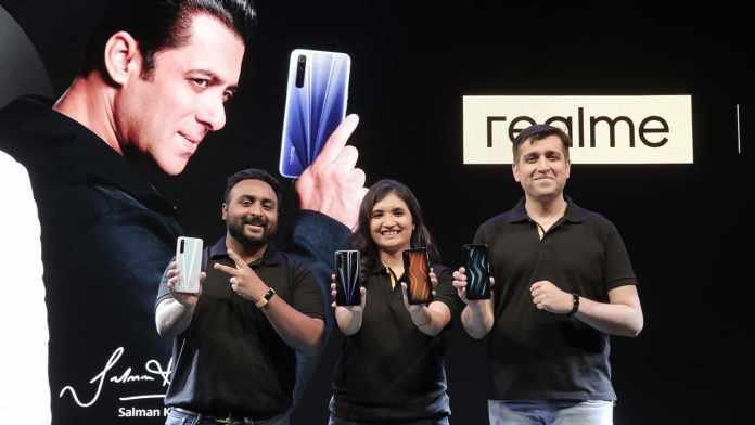realme 6, realme 6 Pro smartphone with realme Band launched