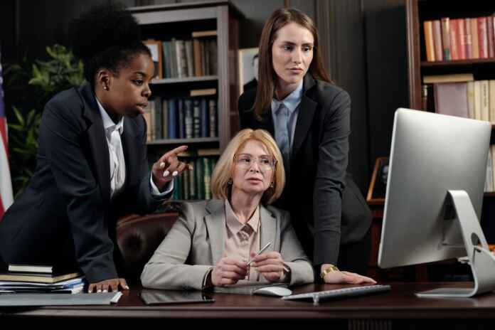 4 Ways Technology Can Guide You to Legal Matters 1